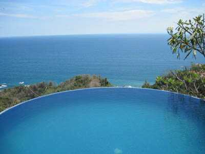 Costa Rica infinity edge pool